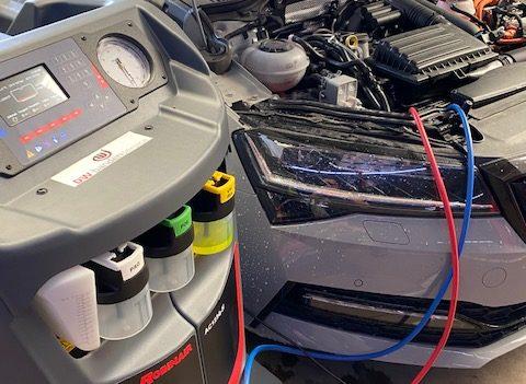 Laat bij regelmaat de Airco van Uw wagen nakijken, zo voorkom je schade op termijn. A cool warning!!